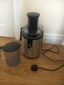 Phillips juicer HR1861 Aluminium whole fruit juicer - perfect - only used a handful of times