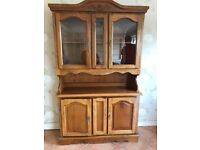Side board / dresser , glass shelf and led light. In very good condition.