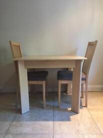 Dining Table +2 Chairs (Extendable)