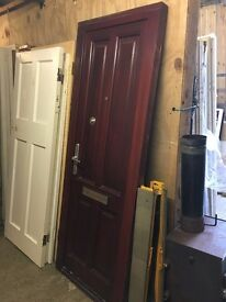 810 x 2050 Front Hardwood Door & Frame and 3 keys. Ready to be fitted! Door Bell,spyhole & Postbox.
