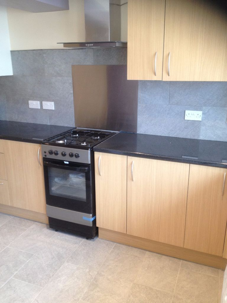 LARGE 4 BED HOUSE TO RENT IN LEYTON! 2 BATHROOMS! ALL NEWLY REFURBISHED. MUST SEE £1900PCM