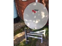 110cm satellite dish and wall bracket