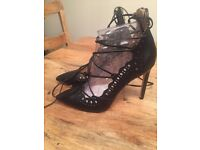 NEW River Island size 6 wrap around shoes