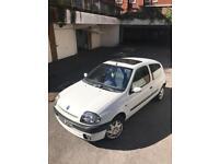 Renault Clio Automatic 1.6 RXE 3dr