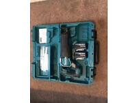 Makita djr187 reciprocating saw 2 x 3 ah batteries