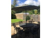 Hartman Berkeley cast aluminium 6 Seater Round Furniture Set