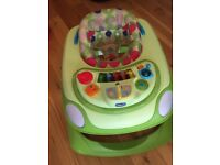 Chicco Baby Walker good used condition from smoke and dog free home