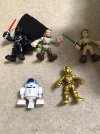 Star Wars millennium falcon and figurine set