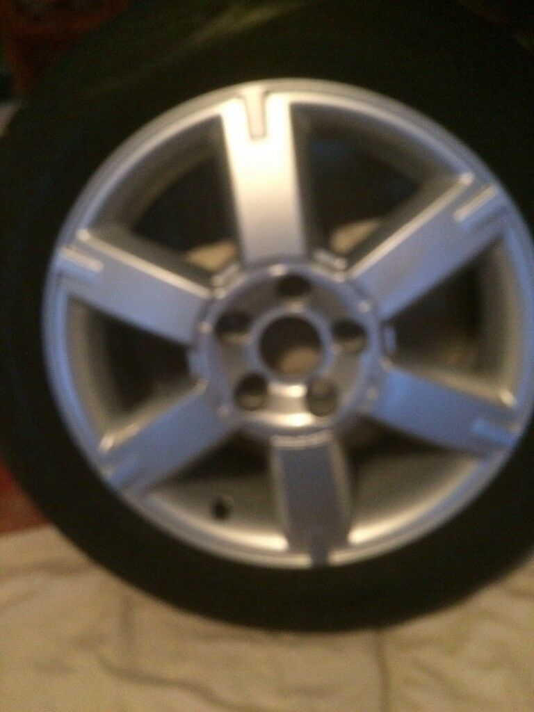Ford Focus 5stud alloys wheel set ov four nearly new tyers in excellent condition