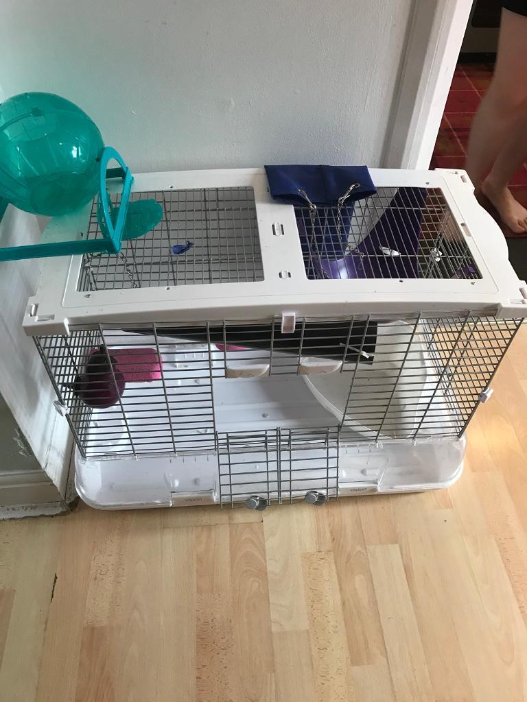 Large animal cage , with accessories, great condition