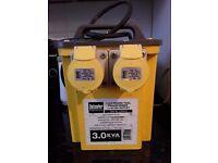 Defender 110v transformer and splitter box