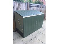 storage container .. around a year old hardly been used in great working order