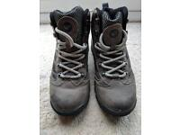 Walking boots - UK size 4