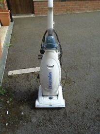 Vacuum cleaner for parts