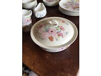 Wedgwood meadow sweet 6 piece dinner service and 6 piece tea service