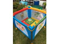 Red kite baby play pen