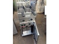 CHINESE CAFE SHOP VALENTINE FRYER TWIN TANK ELECTRIC CHIPS FRYER USED COMMERCIAL FREE STANDING