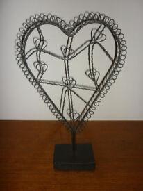 Metal card photo holder heart shape