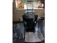 Summer Juices, slimmer you! Phillps HR1864 Juicer complete with all parts. Black. Used 3-4 times.
