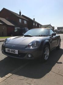 2004 - 72,000 miles - Toyota MR2 1.8 VVTi Roadster, 2 dr, convertible with hardtop