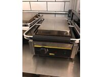 2 Buffalo Bistro Contact Grills