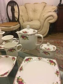 Royal Albert 61 pieces 8 persons