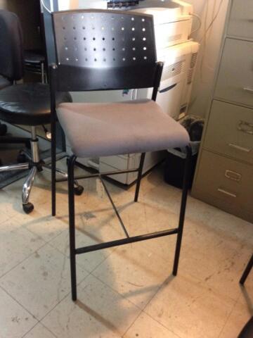 Chaises fauteuils tabourets meubles de bureau guimond for Meuble bureau montreal