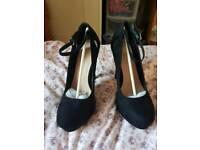 Women high heels size 6