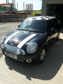 2009 mini Cooper with chequered roof