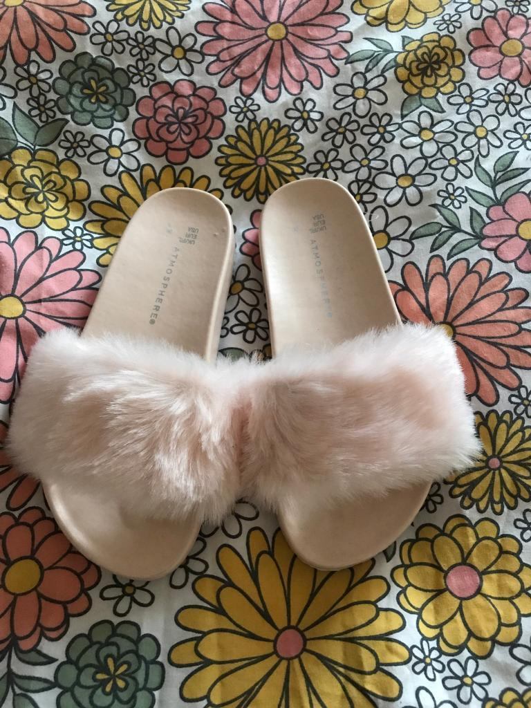 Brand new primark pink fluffy sliders size 3