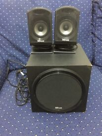 2 speakers and a subwoofer! price £10
