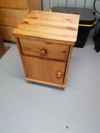Bedside Tables x 2 Pine Effect