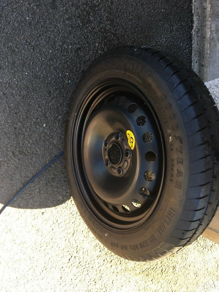 Space saver wheel and tyre