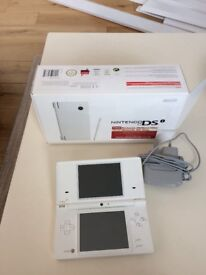 Nintendo dsi , excellent condition, boxed, with charger
