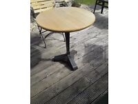 VINTAGE DECO BASE CAST IRON TABLE ROUND TOP SOLID OAK INDOORS OUTDOORS PATIO KITCHEN GARDEN