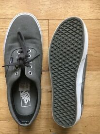 Mens Vans Shoes UK size 8.5. Worn once.