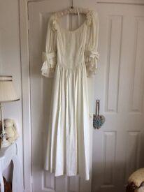 LAURA ASHLEY IVORY WEDDING DRESS