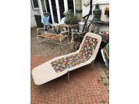 vintage retro kitsch sun bed sun lounger beach garden seat