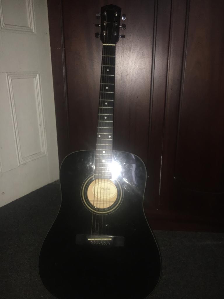 Black Fender Acoustic Guitar + case
