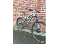 Specialized Enduro FSR Comp 2015 650b Mountain Bike. £2600 RRP. Excellent Condition. Medium Frame