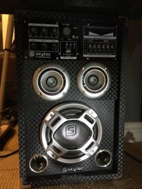 Pair of speakers built in amplifier & eq with mic access