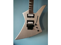 Jackson Kelly JS32 in silver with case