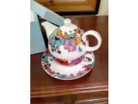 Grace's Teapot/ cup n saucer set