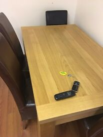 Family table for 6 people in good condition and perfectly fine. Only £60!
