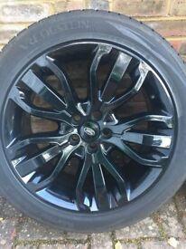 "21"" Range Rover L494, 5 Triple Spoke Alloy Wheel, Gloss Black (2016) - incl. Winter tyres 275 45 21"
