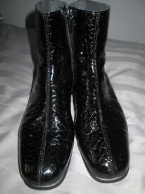 Pavers Anatomic - Black Croc, Side Zip up ankle boots size 40 -(7.5uk} used