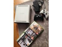 Xbox 360 inc 2 controllers + games