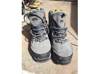 Ladies hi-tec walking boots as new size 5