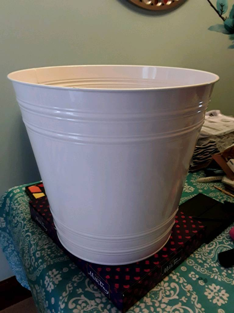 New Extra Large White Plant Pot In Llanelli