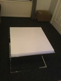 White high gloss table